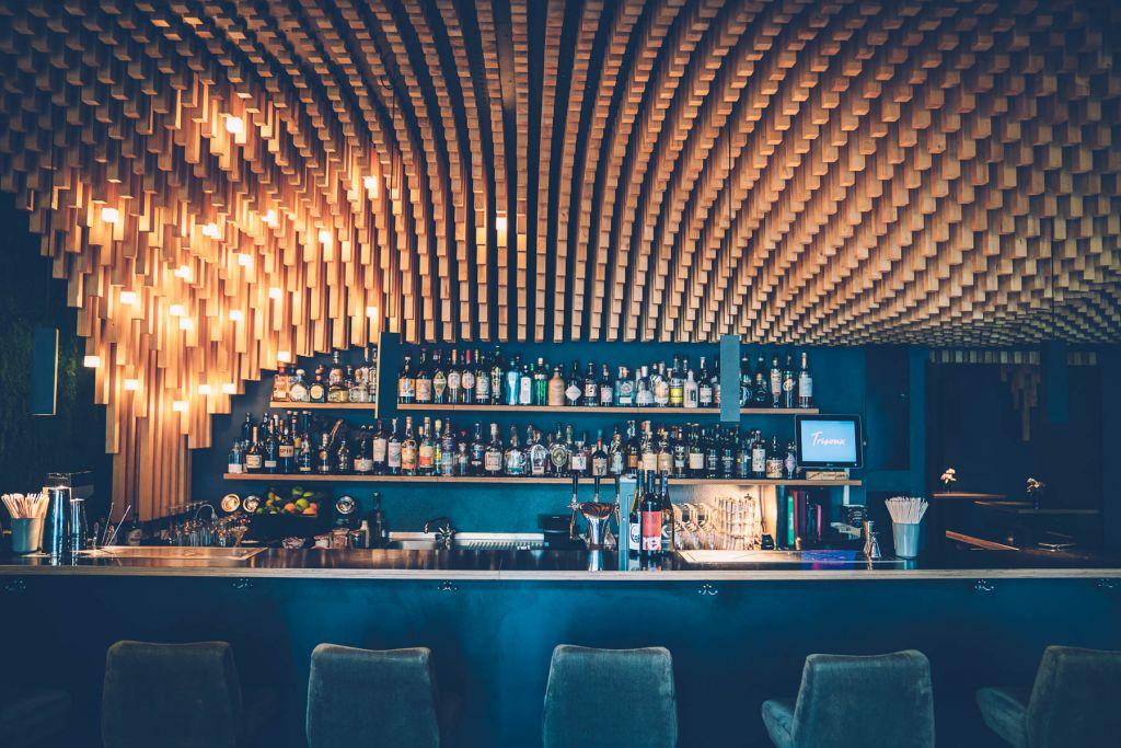 7.500 unterschiedlich lange Holzstäbe gibt es in der Trisoux Bar. – ©wunderland media GmbH