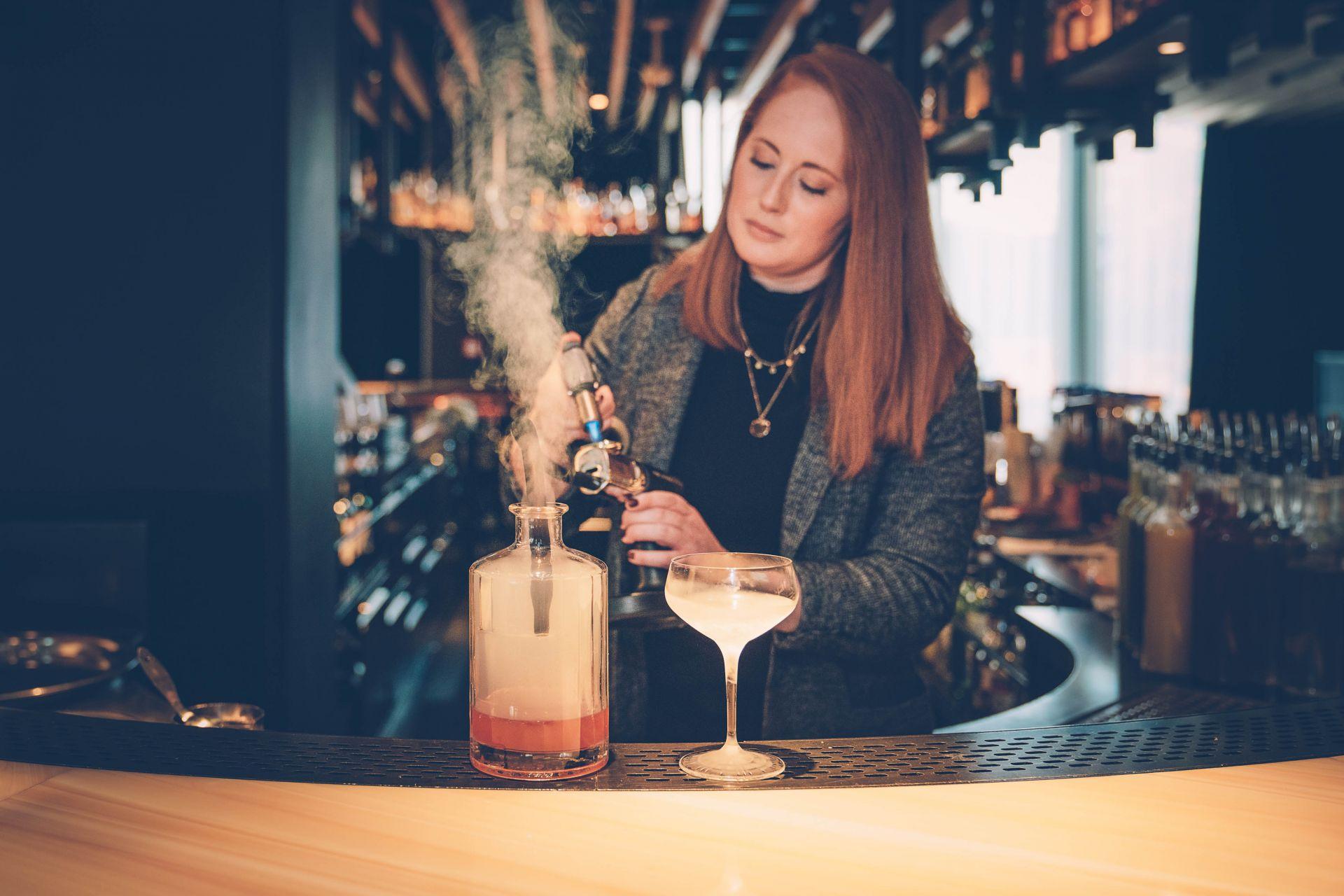 Barkeeperin oder Zauberin? – ©wunderland media GmbH