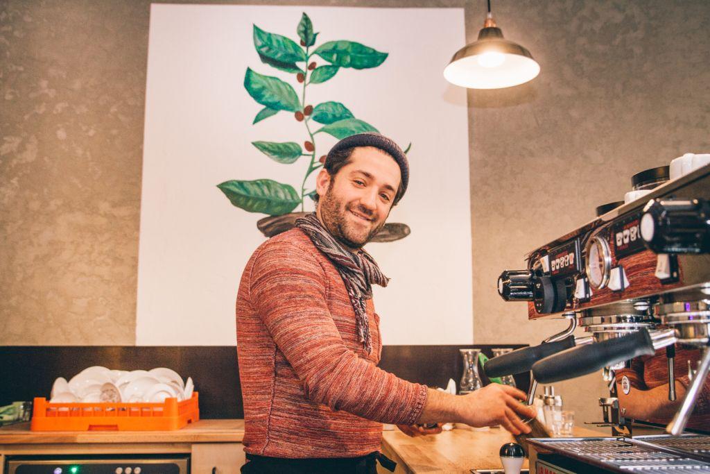 Serdar hat sich mit dem Beaver Coffee einen Traum verwirklicht. – ©wunderland media GmbH