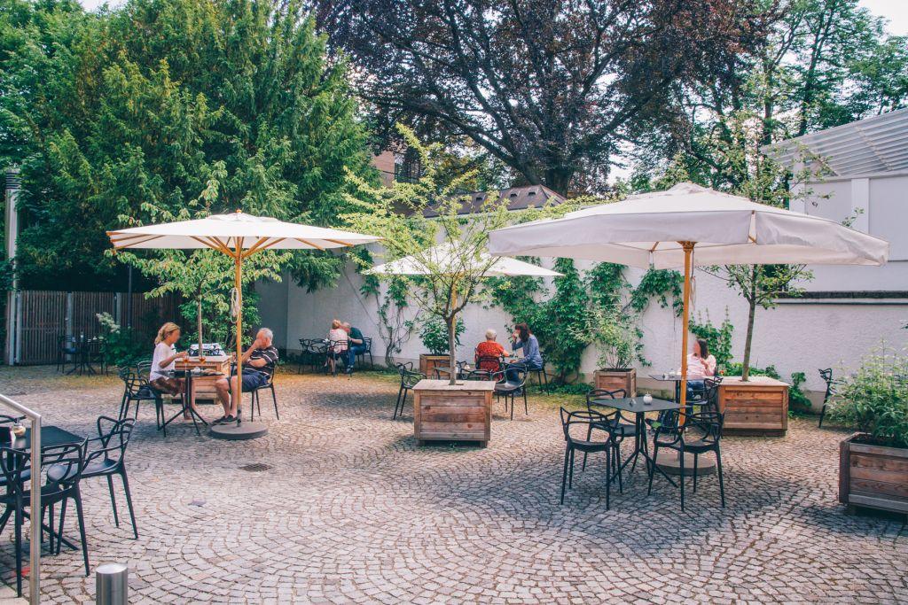 Es gibt sowohl Schatten als auch Sonnenplätze.  – ©wunderland media GmbH