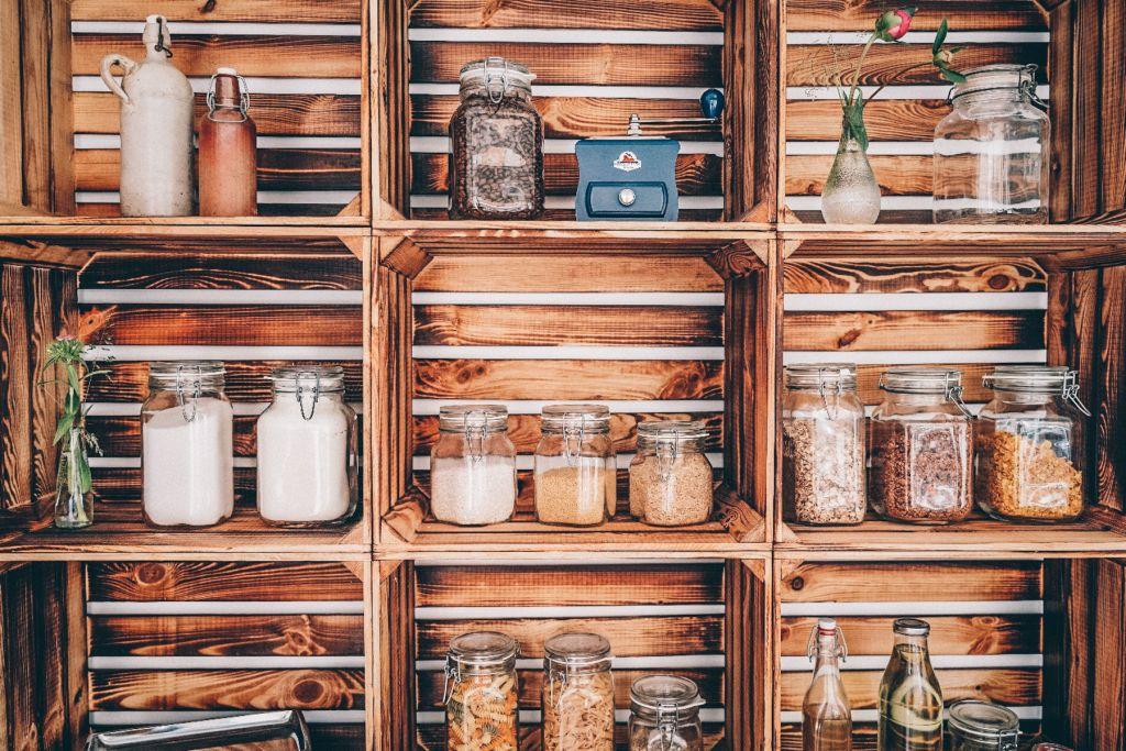 Unverpacktes in stylischen Weinkisten. – ©Naturverpacktes Westendpur