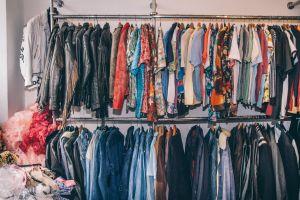 Hemden in allen Farben und Stoffen. – ©wunderland media GmbH