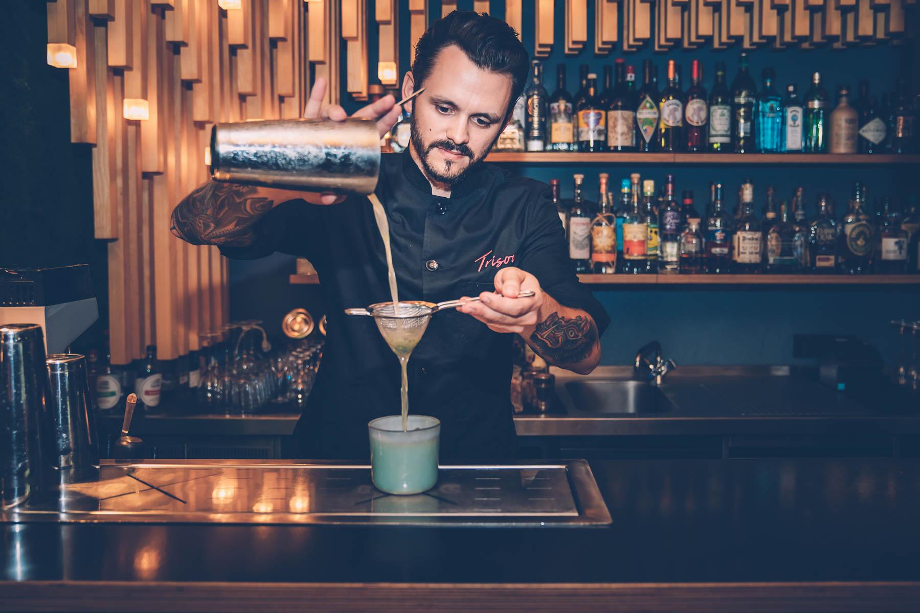 Barchef Phillip erfüllt euch eure Cocktail Wünsche. – ©wunderland media GmbH