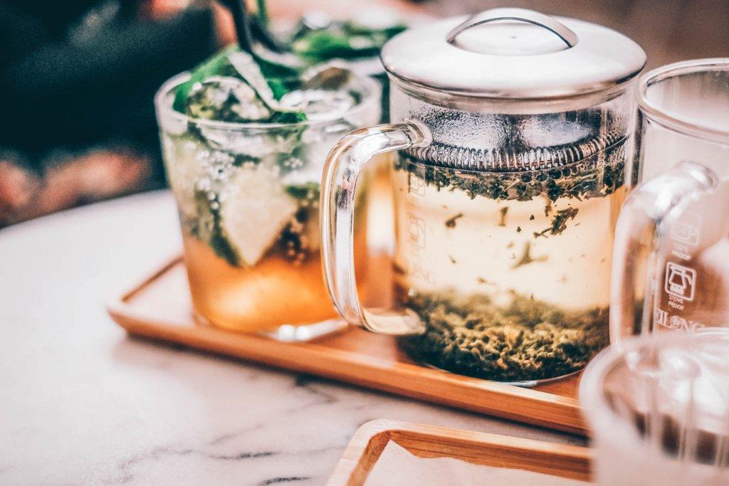 Sicherlich hätte Dita van Teese auch gerne in einer Teetasse Platz genommen.  – ©Unsplash