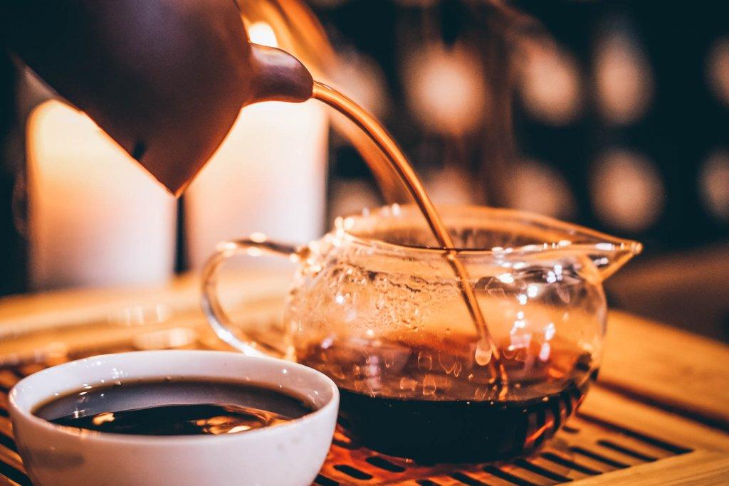 """""""Chinesischer Tee, schenk nochmal ein"""". Könnte man auch ein Lied draus machen, oder?  – ©Unsplash"""