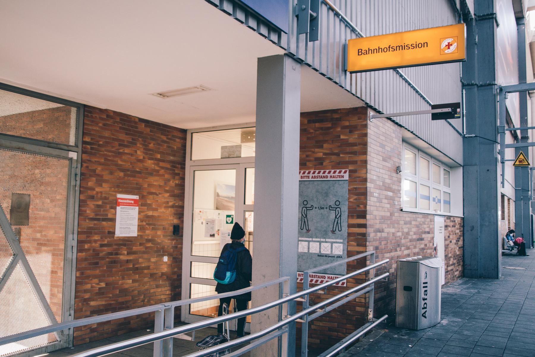 Die Bahnhofsmission am Gleis 11.  – ©wunderland media GmbH