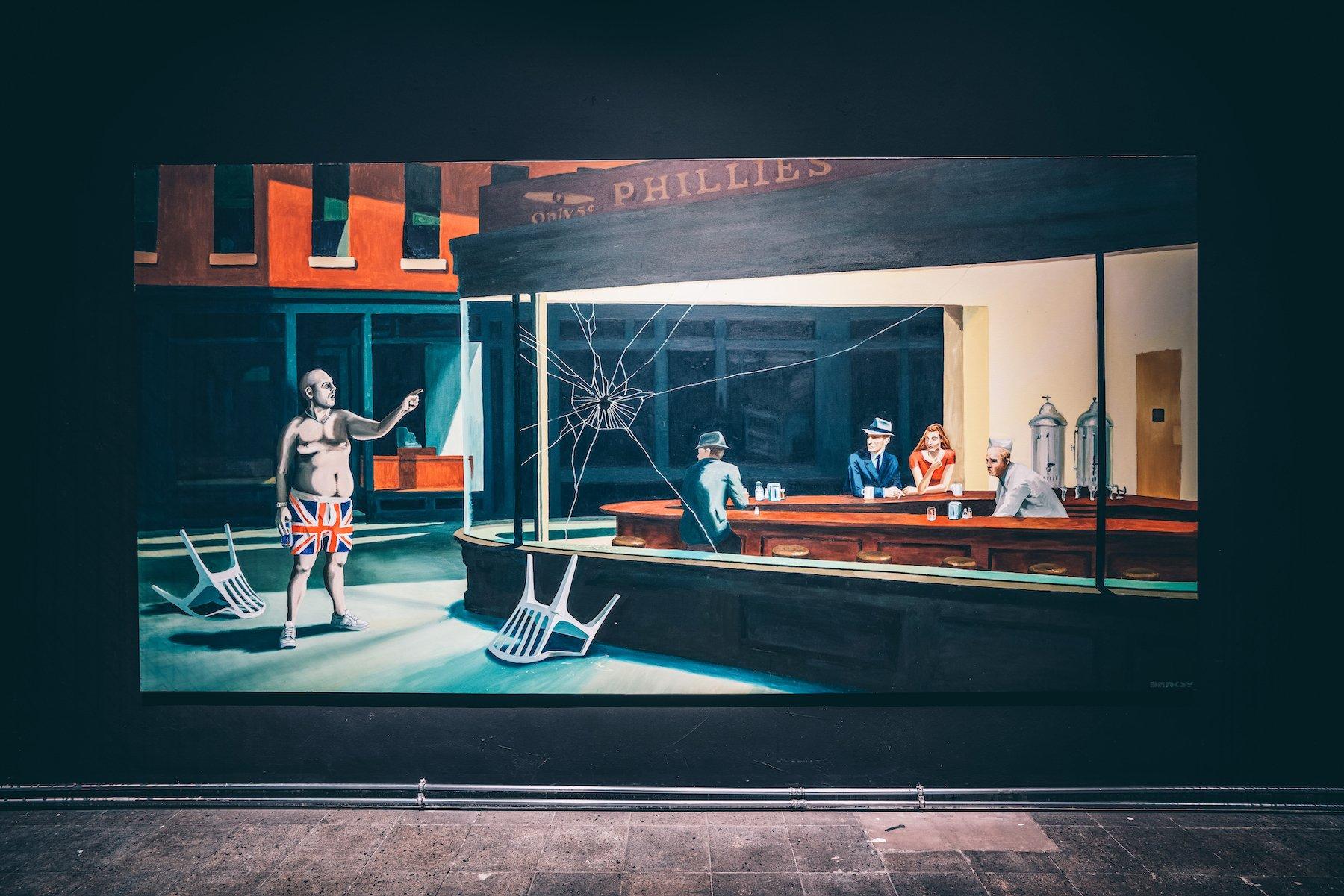 """Ein Highlight der Ausstellung: Das Ölgemälde """"Are You Using That Chair"""" von Banksy. – ©wunderland media GmbH"""