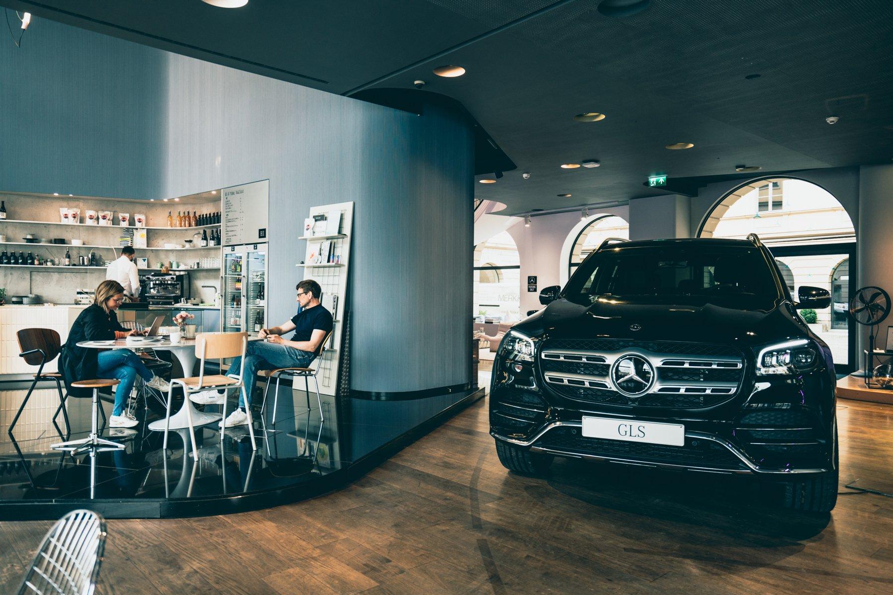 Geheimtippmuenchen Mercedesbenzshowroom 01218 – ©wunderland media GmbH