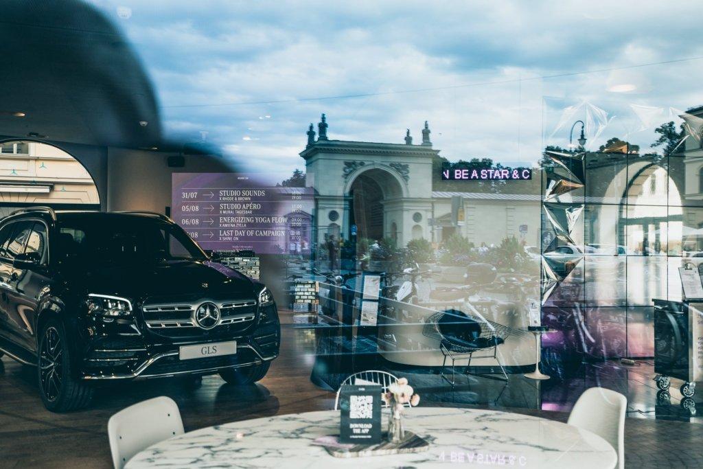 Geheimtippmuenchen Mercedesbenzshowroom 01244 – ©wunderland media GmbH