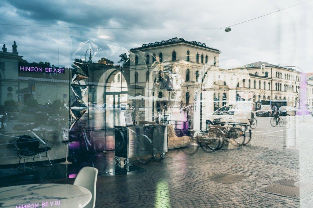 Geheimtippmuenchen Mercedesbenzshowroom 01246 – ©wunderland media GmbH