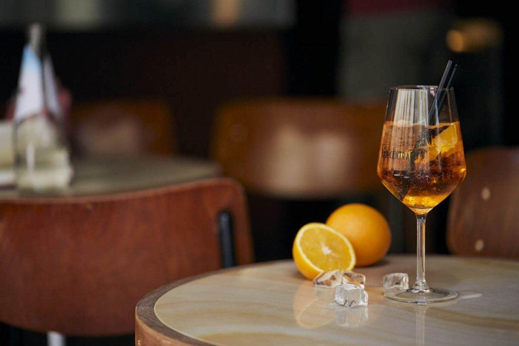 Italienische Bar Centrale Muenchen Aperol Spritz Kopie – ©Kull & Weinzierl