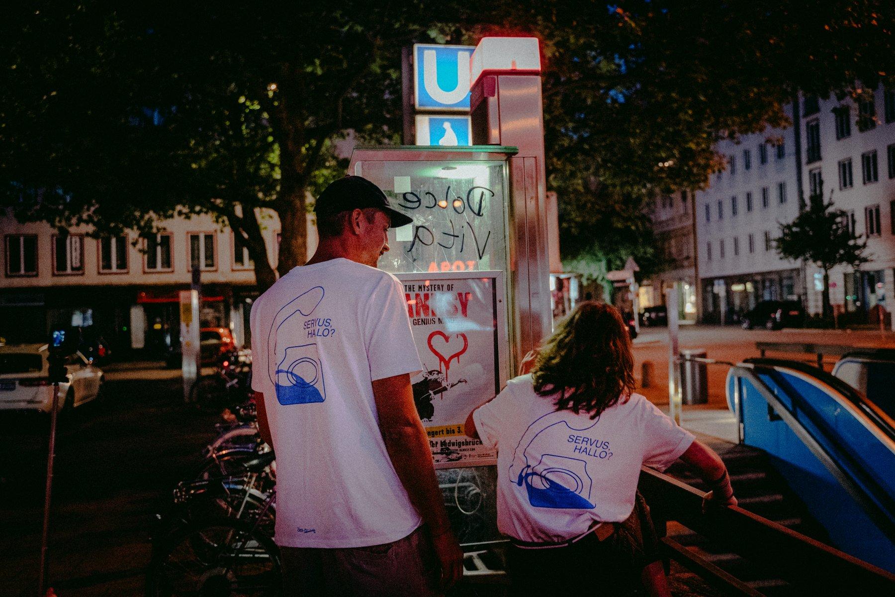 GTM DolceVita Merch Goetheplatz Shirts MB GeheimtippMuenchen – ©wunderland media GmbH
