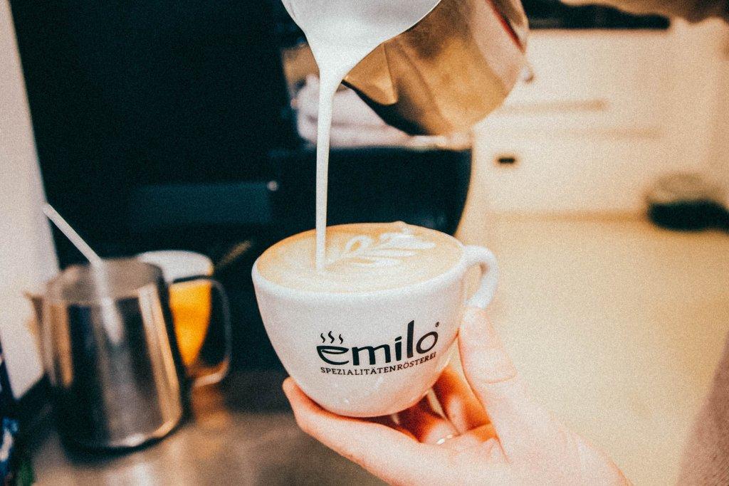 Emilo Cafe An Der Schwanthalerhöhe, München, Deutschland – ©Emilo